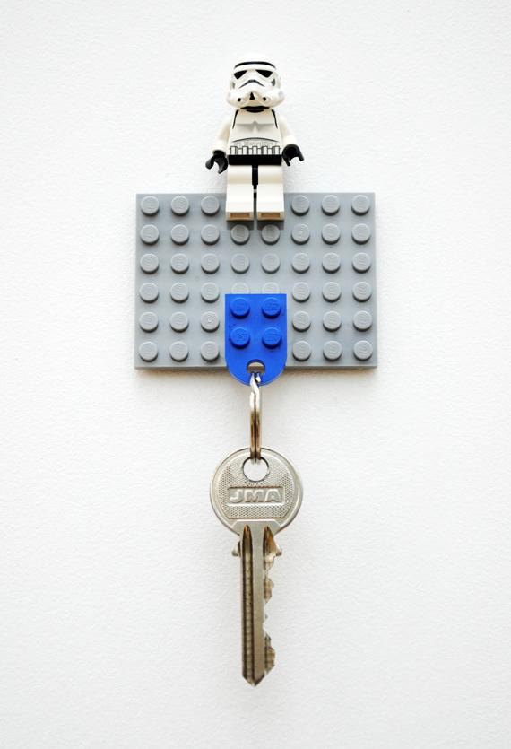 DIY lego keyholder
