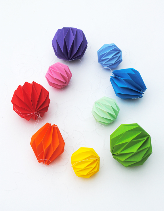 Folded origami decoration accordion folding mini eco for Decoration origami