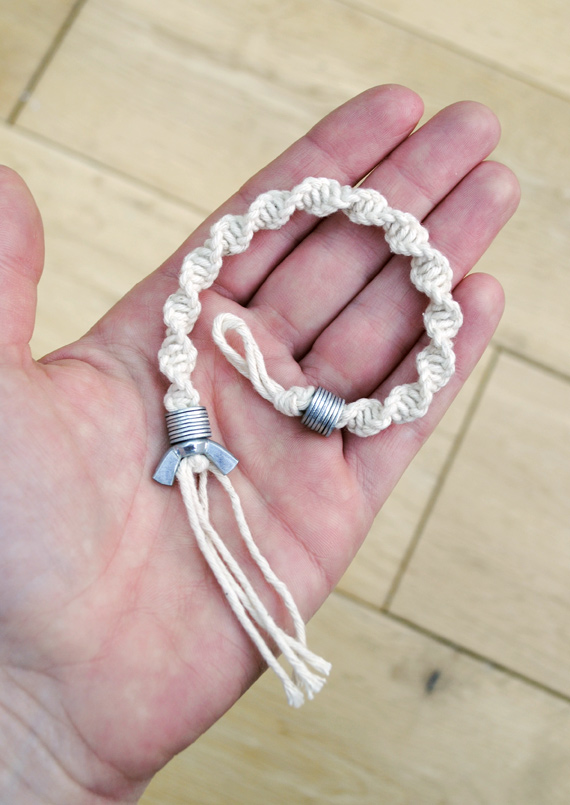 macramé: half knot spiral