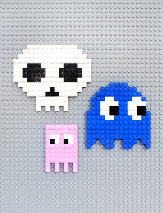 Lego // 8-bit ghosts, eyes & skulls!