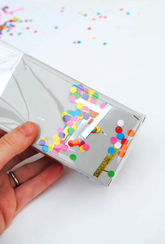 'shake-it' confetti wrap // by minieco